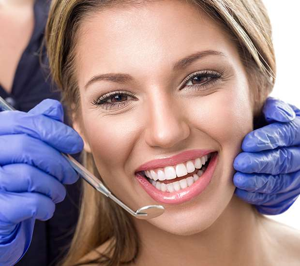 Williamsburg Teeth Whitening at Dentist
